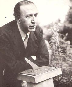"""Pedro Salinas, integrante de la Generación del 27 y reconocido por sus #poesías de amor como """"La voz a tí debida"""" o """"Razón de amor"""",  y #ensayos como """"El defensor"""" de 1948."""