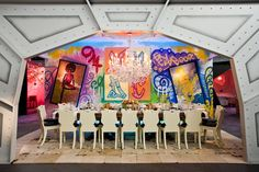 Michael Tavano designed a graffiti-inspired room for the New York Design Center, with art by Christian Avila and a contrasting formal dinner setting. Office Mural, Office Wall Art, Graffiti Lettering, Graffiti Wall, Formal Dinner Setting, Corporate Office Design, Corporate Events, Event Decor, Event Ideas