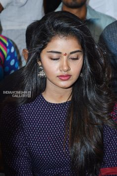 Anupama Parameswaran with tej i love u Beautiful Girl Indian, Beautiful Girl Image, Most Beautiful Indian Actress, Beautiful Long Hair, Beautiful Bollywood Actress, Beautiful Actresses, South Indian Actress Hot, Anupama Parameswaran, Stylish Girl Images