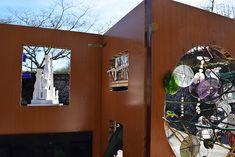 "Curation -SAR '17 Found materials Art. Selected artists in public Library / (curadoria) Art fet amb materials reutilitzats /  (comisariado) Arte hecho con materiales reutilizados: Virginia Rondeel y J.C. Sulé-Duc""Paravent"" de Pep Borràs Virginia, Space, Repurposed, So Done, Colors, Art, Divider Screen, Floor Space, Spaces"