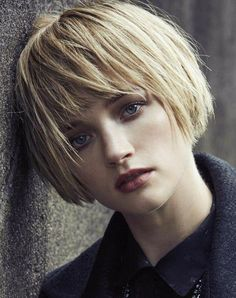New Bob Haircuts 2019 & Bob Hairstyles 25 Bob Hair Trends for Women - Hairstyles Trends Bob Hairstyles With Bangs, Straight Hairstyles, Cool Hairstyles, Wedge Hairstyles, Bob Haircuts, Medium Hair Styles, Short Hair Styles, Pelo Pixie, Corte Y Color