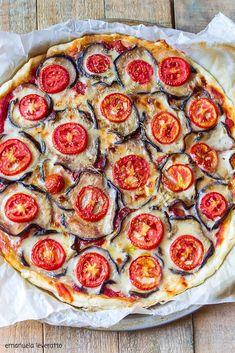 pizza di sfoglia con melanzane