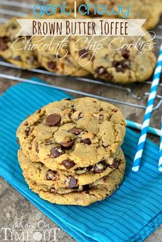 Giant, Chewy Brown Butter Toffee Chocolate Chip Cookies from #health food #healthy food #food for health #food health| http://foodhealthjolie.blogspot.com