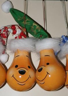 Pooh Lightbulbs Christmas ornament. Leslie...here is another cute bulb.