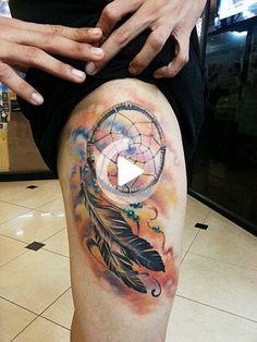 Hoy en día, cada vez más personas tienen tatuajes con diversos motivos. Los tatuajes de nativos americanos se encuentran entre los tatuajes para llamar mi atención. Nativo americano Native American Tattoos, Tattoo Drawings, Tattoos For Women, Watercolor Tattoo, Nativity, Tattoo Designs, The Incredibles, Thigh, Indian Tattoos