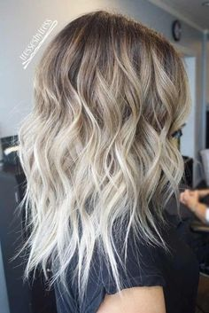 Smoking Hot Blonde Platinum Hair Looks to Try ★ See more: http://lovehairstyles.com/platinum-hair/