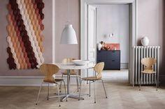 Fritz Hansen - Marble Table - design Arne Jacobsen