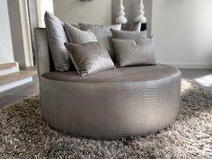 Sofas, Ottoman, New Homes, Lounge, Throw Pillows, Bed, Interior, Furniture, Design