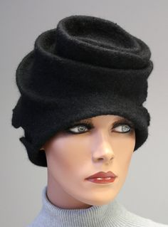 Felted sculpture hat Black stylish madam par DosethHandmade sur Etsy