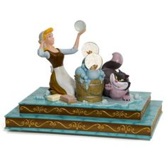 Cinderella scrubbing floor musical snowglobe from our Snowglobes and Waterglobes collection Deco Disney, Cinderella Disney, Disney Fun, Disney Magic, Walt Disney, Disney Stuff, Disney Statues, Disney Figurines, Collection Disney