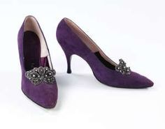 ~Late 1950s/early 1960s Herbert Levine classic pumps, purple suede with butterfly buckle~