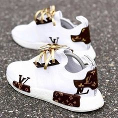 Best comfortable sneakers for girls – Just Trend. - Best comfortable sneakers for girls – Just Trend… – Source by - Cute Sneakers, Girls Sneakers, Best Sneakers, Sneakers Fashion, Fashion Shoes, Girls Shoes, Ladies Shoes, Shoes Women, Sneakers Style