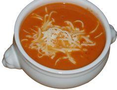 Få opskriften på den Tyrkisk inspirerede tomatsuppe som er super nem at lave og fungerer perfekt som nem aftensmad i hverdagen.