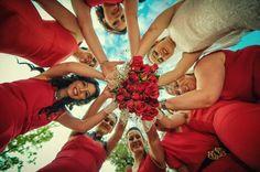 En Çılgın Nedime Fotoğrafları, Nedime Düğün Fotoğrafları Pozları, En Eğlenceli Düğün Pozları, Düğün Fotoğrafı Pozları www.sabripesmen.com