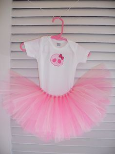 Yelley's Bellies pink skull tutu outfit.  www.facebook.com/YelleysBellies  www.YelleysBellies.com