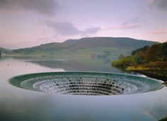 7 places in the Peak District that could be alien worlds in Star Trek Great Places, Places To See, Beautiful Places, Peak District England, Alien Worlds, English Countryside, Derbyshire, Lake District, National Parks