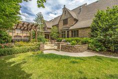 1612 Whispering Hills Dr, Franklin, TN 37069 | 8,800 sf | 5 bed | 7 full 1 half bath | built 2006 | 0.86 acres | $2,995,000 USD