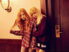#Rosé and #Lisa
