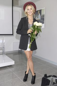 Maja na prezentacji kolekcji marki Carinii Inspiration, Fashion, Novels, Biblical Inspiration, Moda, La Mode, Fasion, Fashion Models, Trendy Fashion