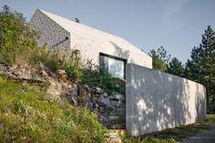 maison en pierre de Dekleva gregoric arhitekti