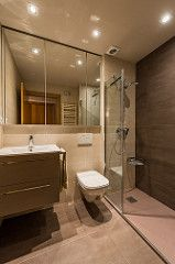 Baño | Reforma Passeig Maragall | Standal #bathroom #duchas #interiorism #interiordesign