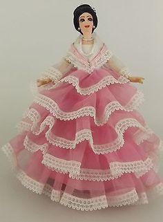 Filipino Art, Filipiniana, Pink Gowns, 1970s, Snow White, Profile, Dolls, Disney Princess, Disney Characters