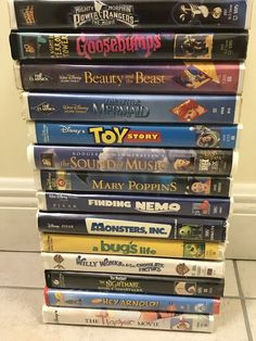 Lot of 14 VHS Childrens movies Some Walt Disney. in clamshell cases