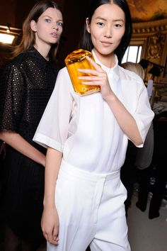 Summer 2013 Backstage , and blessed model Liu Wen , go China!