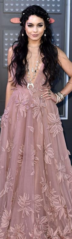 Vanessa Hudgens at the 2015 MTV Music Awards. Wearing a blush-colored Naeem Khan gown.