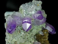 minfind.com - Quartz from (var. Amethyst) - Las Vigas Area - Vera Cruz - Mexico Price Euro: 185