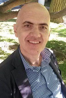 Gianluca Cappellozza - Sedie all'insù (Augh! edizioni). Tutti i tuoi eventi su ViaVaiNet, il portale degli eventi più consultato per il tempo libero nella provincia di Rovigo e nella Bassa Padovana