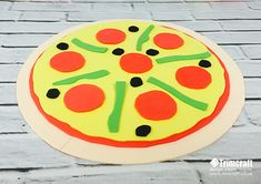 Learn how to make this Dovecraft foam pizza with our tutorial and free printable template