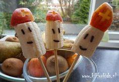 Gezond snoepen met sinterklaas. Dyi, Fruit Stands, Banana Recipes, Bento, Diy For Kids, Finger Foods, Kids Meals, Watermelon, December
