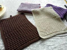 Back to the roots. Stilvolle  Handgestrickte Baumwoll- Gästehandtücher im Waffelmuster. Ich stricke auf Bestellung in vielen verschiedenen Farben.