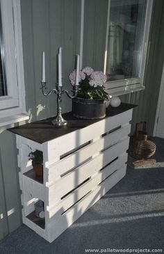 Kreative Möbel Ideen mit Holzpaletten Creative furniture ideas with wooden pallets Related Post Wow, beautiful bathroom in Shabby Chic Look Wood Pallet Recycling, Wooden Pallet Projects, Wooden Pallet Furniture, Pallet Crafts, Recycled Pallets, Wooden Pallets, Pallet Ideas, Diy Furniture, Pallet Wood