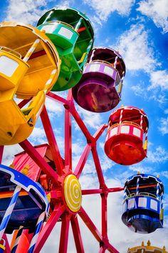 Ferris Wheel - Love the bright colours!