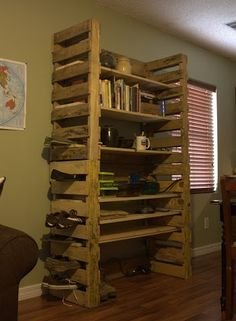 This diy pallet bookcase could be cute painted and distressed- looks fairy easy to build and could use nicer looking wood for shelves. Pallet Crates, Pallet Storage, Pallet Shelves, Wooden Pallets, Diy Storage, Extra Storage, Recycled Pallets, Recycled Wood, Pallet Designs