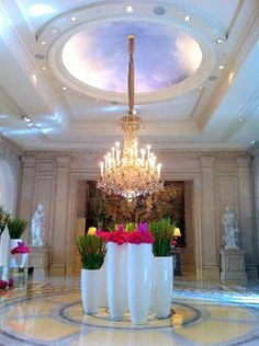 I could go crazy over the floral arrangements in the Lobby of George V Hotel