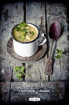 "Képtalálat a következőre: ""soup dark food photography"" Healthy Soup Recipes, Cooking Recipes, Healthy Food, Dark Food Photography, Foodblogger, Creative Food, Food Design, I Love Food, Food Pictures"