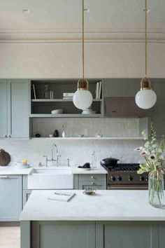 As you can see from these grey kitchen ideas, a classic grey kitchen is timeless. Grey kitchen cabinets have the power to suit virtually any scheme. Grey Kitchens, Home Kitchens, Kitchen Interior, Kitchen Design, Kitchen Ideas, Brooklyn Brownstone, Grey Kitchen Cabinets, Kitchen Grey, Palette