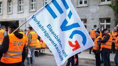Jetzt lesen: EVG mit Streikdrohung: Ausgang der Bahn-Tarifrunde offen - http://ift.tt/2h3gCHd #story