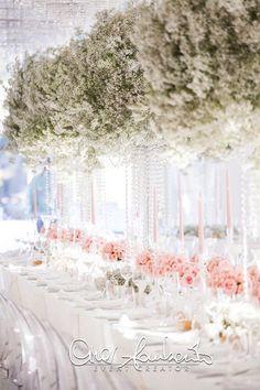 Brillante tavolo imperiale in rosa e avorio con cascate di cristalli - Cira Lombardo
