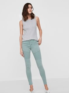 L2017 https://www.veromoda.com/gb/en/vm/shop-by-category/jeans/eve-lw-skinny-fit-jeans-10171405.html?cgid=vm-jeans