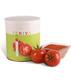 How to use, save money and save food storage space all at the same time with Tomato Powder! For tomato sauce: ½ cup tomato powder and Survival Food, Emergency Preparedness, Tomato Powder Recipe, Thrive Life, Thrive Food, Thrive Meals, Canned Tomato Juice, Slow Cooker, Long Term Food Storage