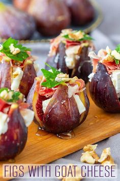 Figs with goat cheese and Spanish jamon are easy appetizers with a wow factor. Figs with goat cheese and Spanish jamon are easy appetizers with a wow factor. No-bake, these stuffed figs are ready in no time and taste amazing! Gourmet Appetizers, Appetizers For Party, Appetizer Recipes, Fig Appetizer, Toothpick Appetizers, Vegetable Appetizers, Spanish Appetizers, Vegetarian Appetizers, Cheese Appetizers