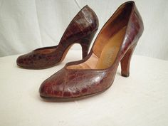 vintage 40's alligator pumps!!!   Mom had these in brown with a purse to match.  I still have them!