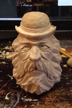 Wood Carving Faces, Wood Carving Patterns, Tree Carving, Wood Carving Art, Carving Designs, Whittling Wood, Woodworking Inspiration, Wood Stone, Wood Slab