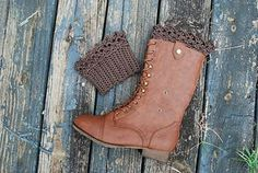 Knitting - Lace Boot Cuff, free pattern download on Ravelry