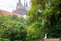 Pre-Wedding Photography from Royal Castle in Prague🏰💑 📷 Photographer: Constantin Gololobov #prewedding #prague #preweddingphotography #photographerineurope #preweddinginprague #photographerinprague #布拉格 #布拉格婚纱摄影 #婚礼 #新娘 #蜜月 #海外婚紗攝影 #婚纱摄影 Prague, Monument Valley, Wedding Photos, Wedding Photography, Nature, Travel, Marriage Pictures, Wedding Shot, Naturaleza