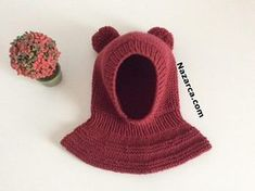 knitting projects for babies Diy Crafts Knitting, Loom Knitting Projects, Easy Knitting, Crochet Hooded Scarf, Crochet Scarves, Crochet Hats, Baby Knitting Patterns, Baby Barn, Knit Baby Dress